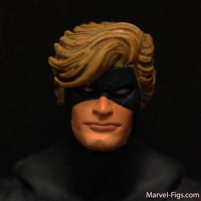 Captain-Marvel-head-Shot